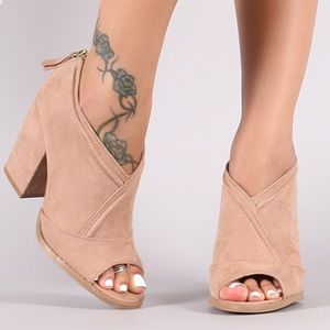 Shoes - Sling back blush mule sandal